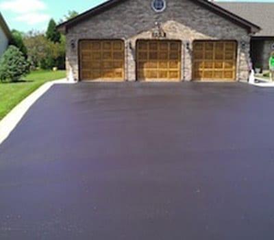 black pearl Residential Driveway Sealcoating